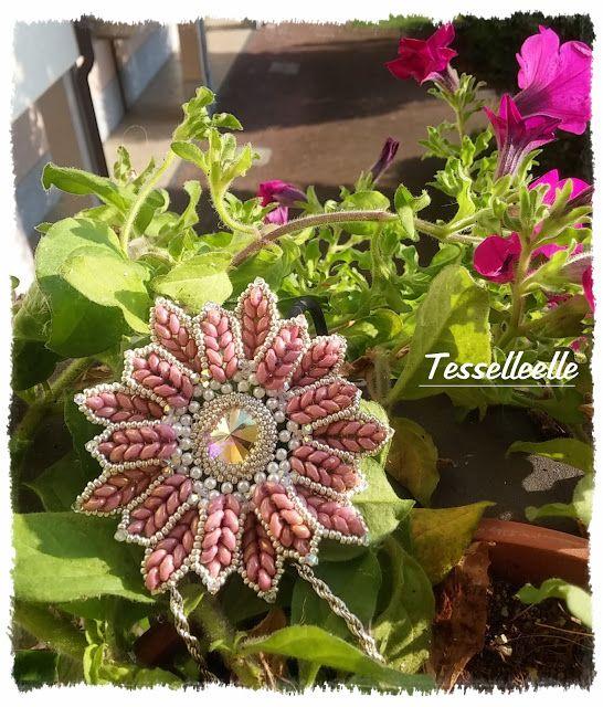 Di tutto un po'... bijoux, uncinetto, ricamo, maglia... ღ by tesselleelle ღ : Bijoux, fiori e cuori!