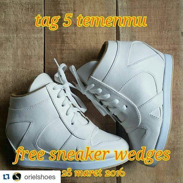 #Repost @orielshoes with @repostapp  give away sneaker wedges rule mudah  1. follow @orielshoes tag 5 temenmu (dapat 1 kupon undian berlaku kelipatannya)  2. repost foto (dapat 1 kupon undian berlaku kelipatannya)  3. penutupan give away @orielshoes tgl 28 maret  4. pengundian tgl 29 maret ( bukti video pengundian di uploud langsung)  5. dipilih 2 pemenang untuk konfirmasi model dan ukuran kaki.  6. sneaker wedges akan dikirim setelah 3hari pemenang konfirmasi.  semoga beruntung #wedgesmurah…