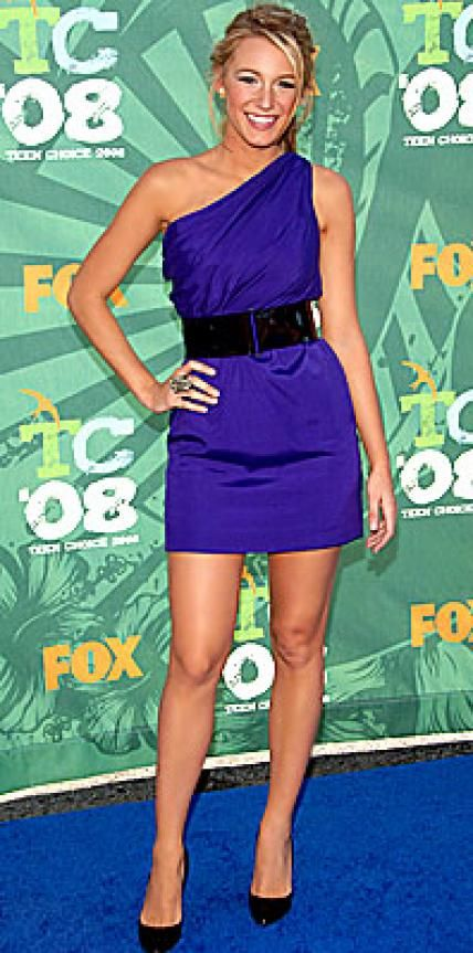 """Look of the Day › August 5, 2008 Lively played it cool in a cobalt Tadashi Shoji mini at the Teen Choice Awards in LA. The Gossip Girl star wore the sexy number to scoop up two """"surfboard"""" awards: Choice TV Actress Drama and Choice TV Breakout Star Female.TODAY'SLY BEAUTY FLASH: Easy Ethereal Eyes and Hair"""