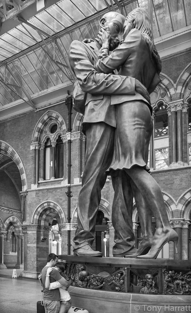 Hello, Goodbye?… this is amazing photo shot! <3 St. Pancras railway station, London England