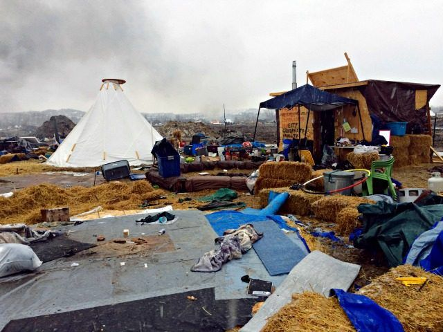 Federal Officials Haul Off 800 Garbage Dumpsters at Dakota Access Pipeline Protest Campsites