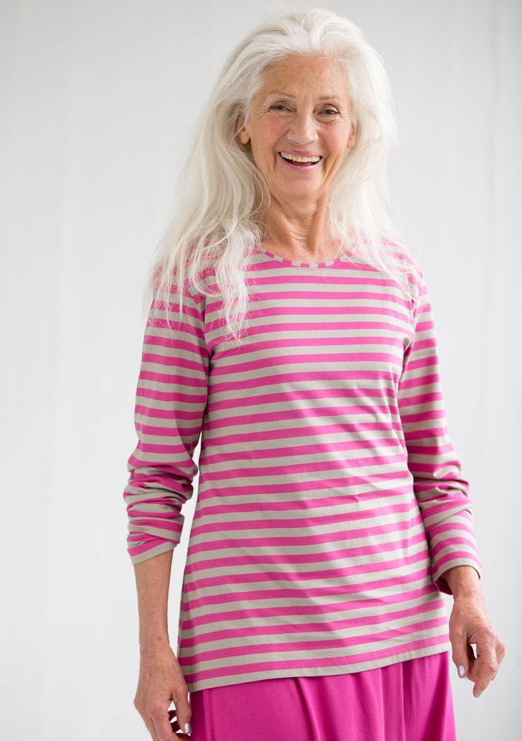 Striped top in eco-cotton – Embroidered cotton – GUDRUN SJÖDÉN – Webshop, mail order and boutiques | Colorful clothes and home textiles in natural materials.