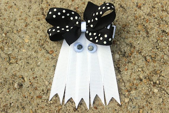 Halloween hair accessories / Ghost hair bow / Girls Halloween hair clip / Halloween ribbon sculpture hair clip / Ghost hair clip baby, toddler ********************************************** * A Halloween ghost hair clip (Approx. 2.75 long) with Black polka dot bow * Made to wear on the right