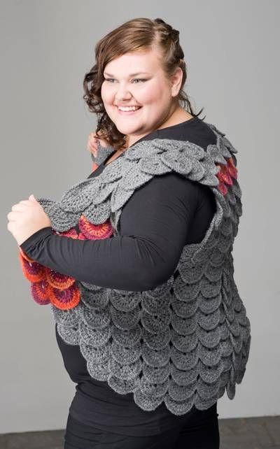 Fancy vest in XL-size, made of crocheted circles.  Instructions in Finnish at Novita.fi.   YARN: NOVITA 7 VELJESTÄ & 7 VELJESTÄ RAITA