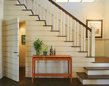 Perfil de diseño de baño debajo de escalera