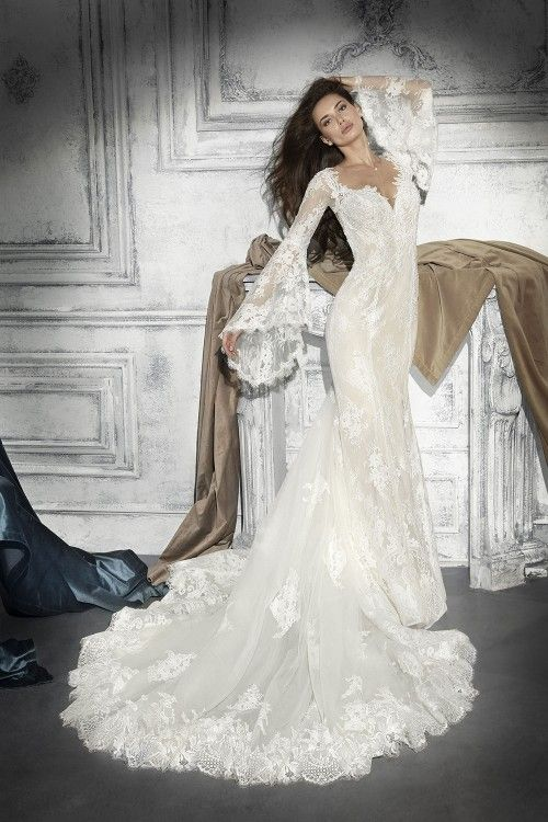 Demetrios 772 art. 28024 Valkengoed Wedding Fashion Amersfoort