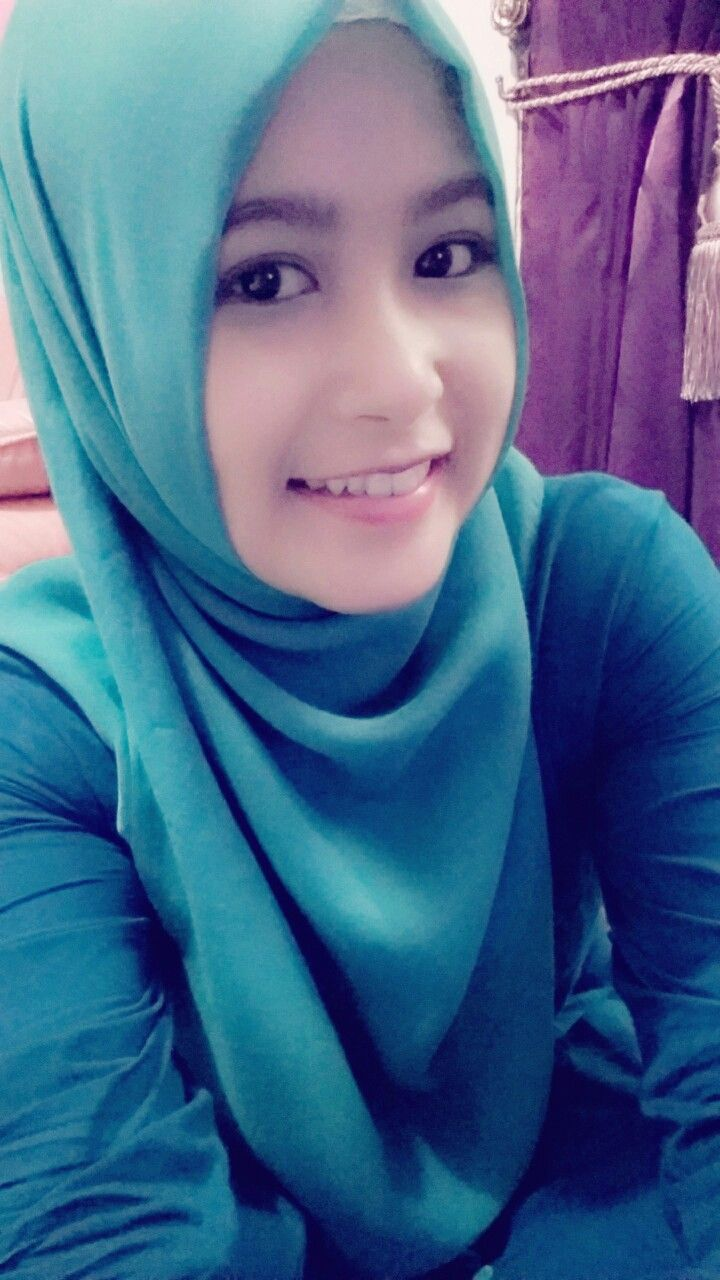 Blurry pict! #daily #hijab #simple