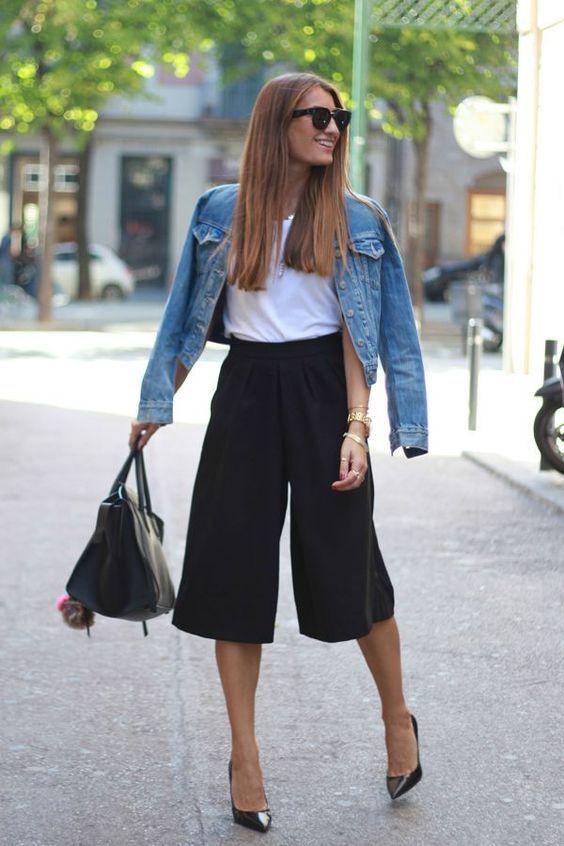"""<p>É a calça do momento """"pantacourt"""" que nada mais nada menos é uma pantalona mais curtinha no comprimento midi, é também conhecida como calça cullote, essa calça esteve presente no inverno e promete"""