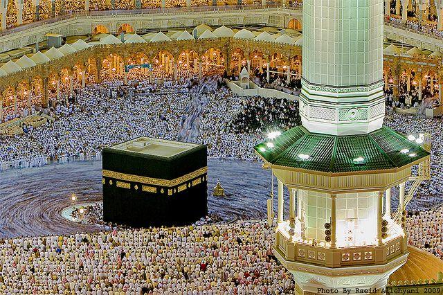 Masjid-al-Haram in Makkah, Saudi Arabia by Raeid Allehyani, via Flickr