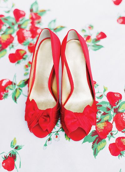 Red shoes & berries / Southern Weddings Magazine
