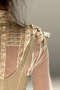 .: Alexander Mcqueen A, Mcqueen Spring, Spring 2005, Clothing, Fashion Details1 Fini, Mcqueen 2005, Mcqueen S S