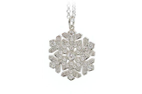 Snowflake pendant. Diamond and white gold snowflake