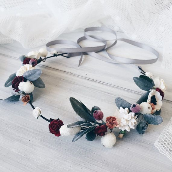 Winter Bridal crown, Woodland wedding, Bridal flower crown, Rustic wedding headpiece, Wedding floral crown, Green leaf crown