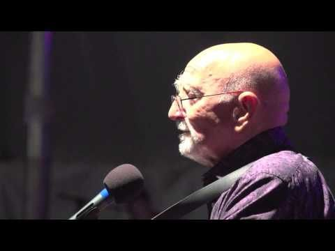 Dominic Chianese (Uncle Junior) performs at the 2012 Litchfield Jazz Festival - YouTube