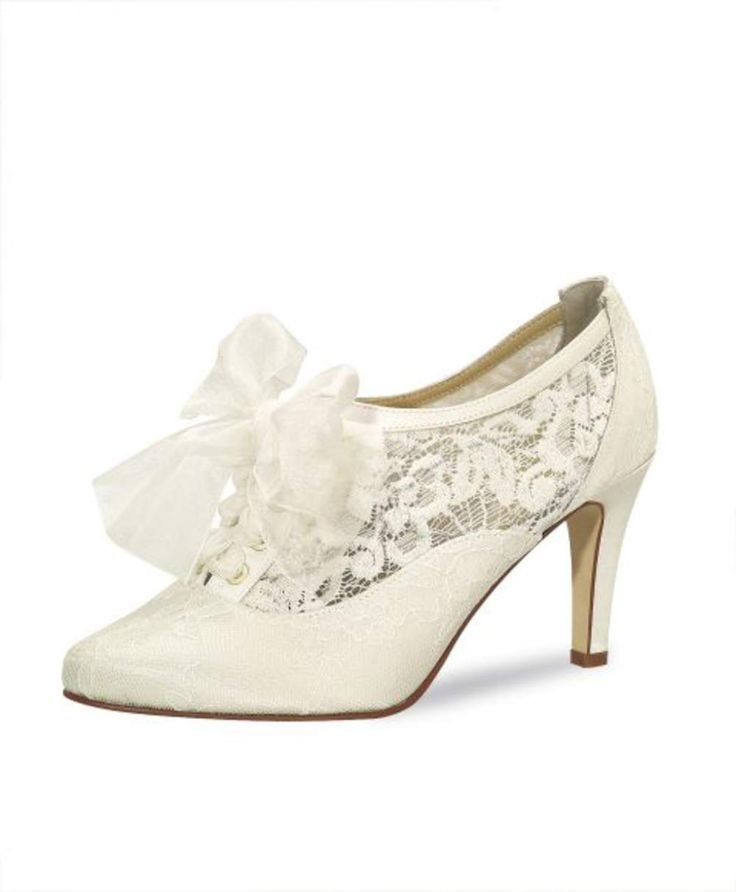 Bridal high heels, Lace wedding shoes, Bruidsschoen met kant, Bruidsschoen met bandje, Online webshop levering NL & BE www.sayyestothedress.nl / www.syttd.com