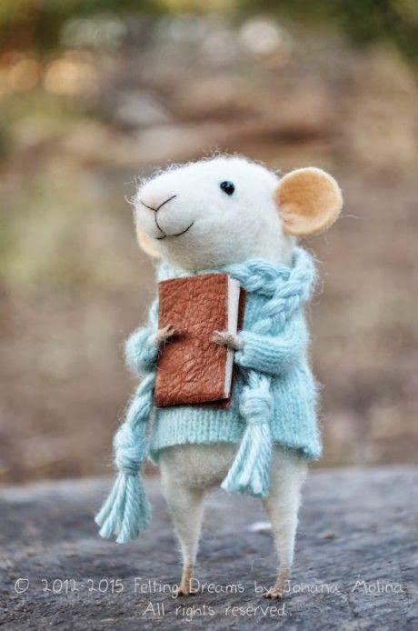 Dagens sötaste läsare är de här små bedårande mössen. Habegär! De - och deras lika söta små vänner i filt - görs av Johana Molina och sä...