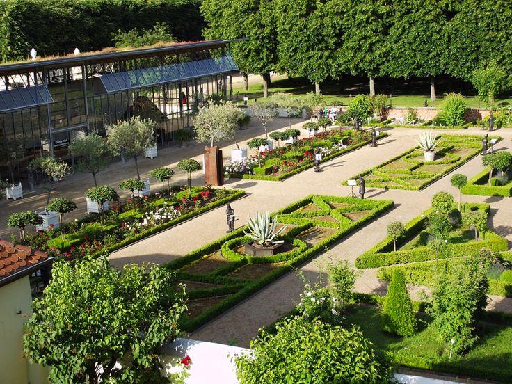 vom Hotelzimmer Hotel Platengarten fotografiert Skulpturenmeile Kaspar Hauser 2013 | #hofgarten  #hotel #ansbach #zentral  #romantisch #denkmal #historisch