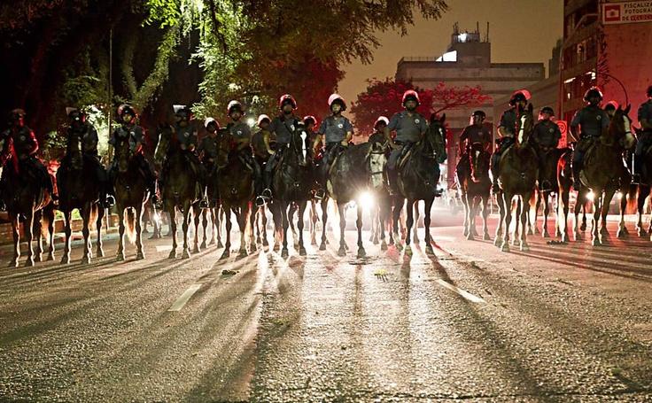 Folha de S.Paulo - Cotidiano - Haddad diz que protesto em SP foi marcado por 'violência policial' - 13/06/2013