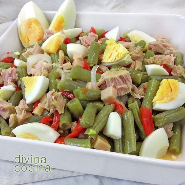 Esta ensalada de judías verdes es una propuesta fresca y ligeraparaentrantes y cenas. Puedes añadir un vasito de arroz o una patata.