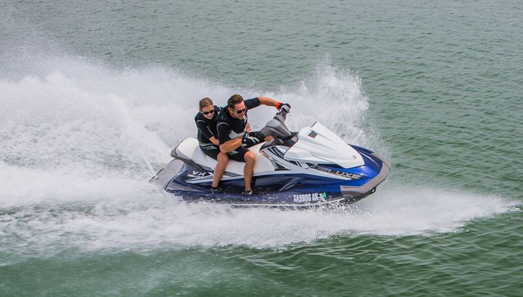 2017 Yamaha VX Deluxe Profile Right