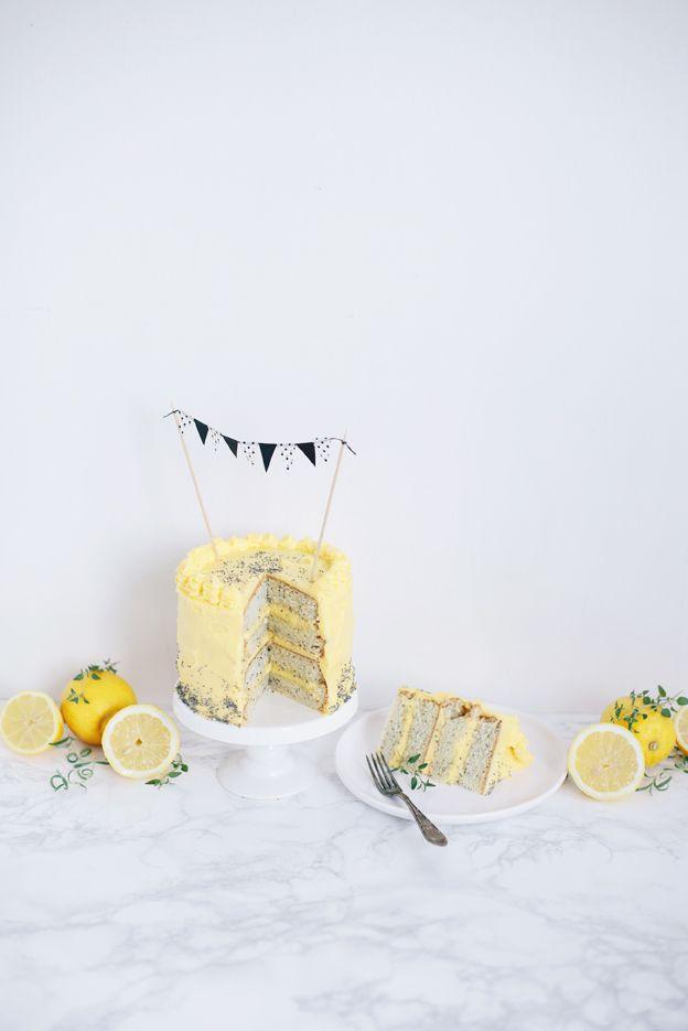 lemon poppyseed cake / lemon cream cheese frosting