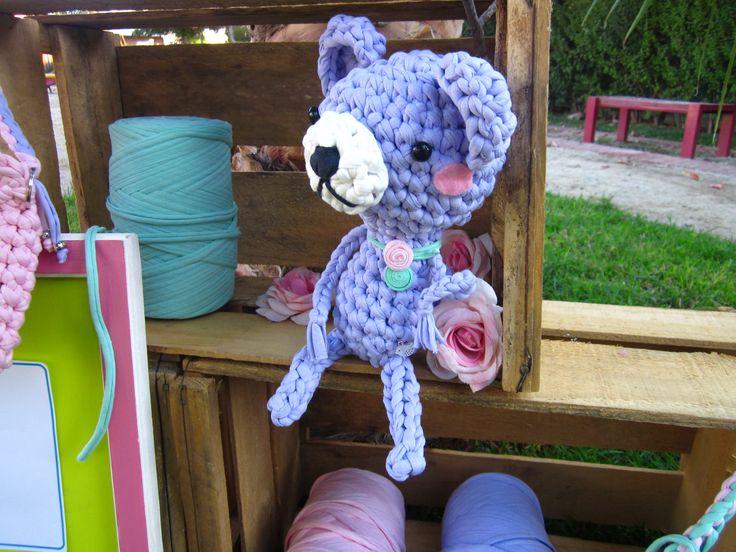 TRAPOS oso Amigurumi en trapillo con delicadas aplicaciones. $7.500