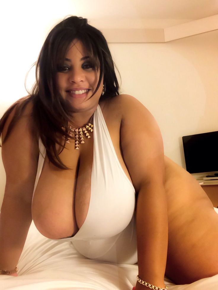 plus size nude college girls