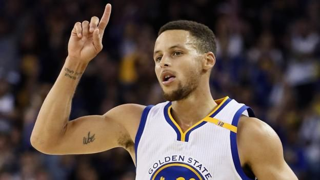 Stephen Curry shoots NBA three-point record in Warriors win #Sport #iNewsPhoto