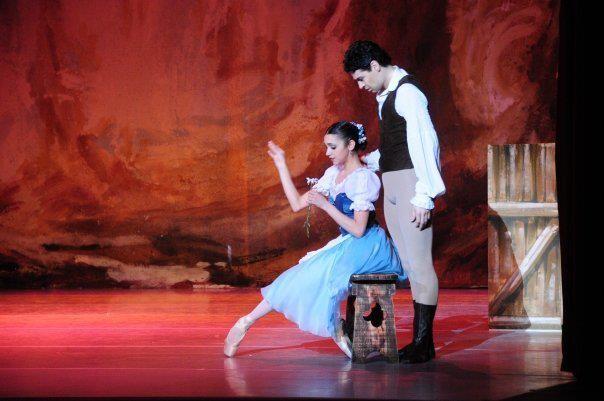 """When: agosto 31, 2015 @ 8:00 pm – 9:00 pm   Where: Teatro Coliseo, Marcelo T. de Alvear 1125, C1058AAQ CABA, Argentina   LLEGA """"GISELLE"""": NUEVAS FUNCIONES EN EL TEATRO COLISEO Danza por la Inclusión e Iñaki Urlezaga vuelven al Teatro Coliseo con """"Giselle"""",un ballet en dos actos con música de Adolphe Adam, coreografía de Jules Perrot y[...]"""