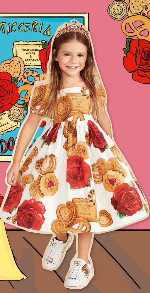 449202bf773a DOLCE & GABBANA Baby Girls Mini Me Patecceria Cookie Print Dress for Spring  Summer 2018. Love this delightfully pretty mini me look inspired by the D&G  ...