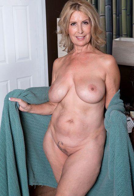 Topic Hourglass figure nude mature women topic consider