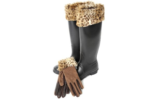 Know someone who loves animal print? The new fur trim boot liner and glove set from Carrots Equestrian could be an ideal Christmas gift. Find out more at http://www.horseandhound.co.uk/products/new-accessories-carrots-equestrian/#xRIcpVHi5RxIgXU6.99