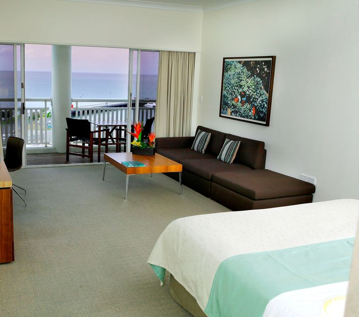 Superior Seaview Room @ Shangri-La Hotel, The Marina, Cairns