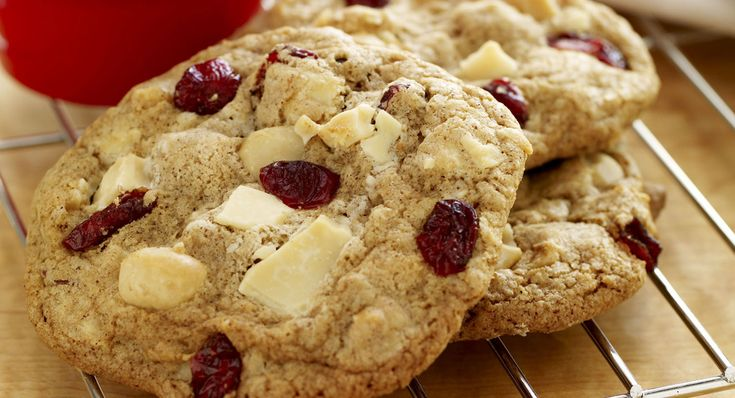 Macadamia and Cranberry White Chocolate Chunk Cookies : This is fast ...