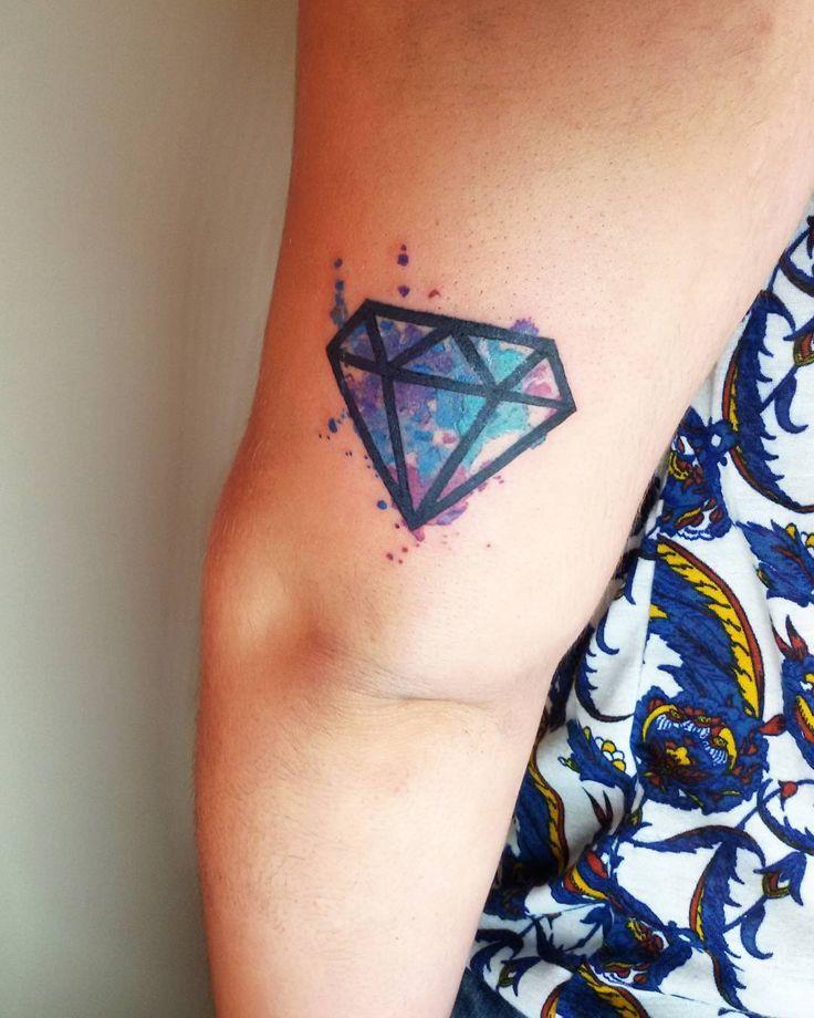 Diamante estilo acuarela para la valiente de Marina!  lo he pasado genial haciendolo y me encanta el resultado! Os gusta a vosotros ?   #diamante #diamantes #diamond #diamonds #watercolor #watercolortattoo #watercolortattoos #acuarelatattoo #acuarelatattoos #acuarela #cute #cutetattoo #colortattoo #colorful #tattooed #tattoersubmission #tattooartist #tattoo #tattooink #tattoos #tattoing #tattooing #inked #ink by dreaminkcolor