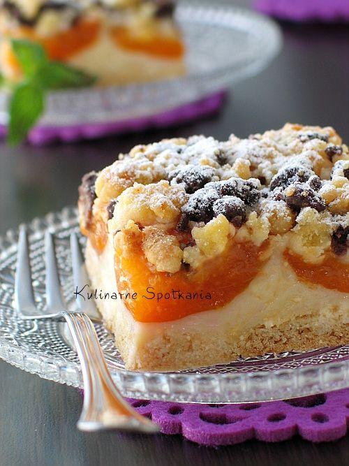 Kulinarne Spotkania: Kruche ciasto z morelami, budyniem i dwukolorową kruszonką