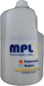 Fluido para Máquina de Fumaça - Galão 5L: R$ 40. Ótima densidade, lenta dispersão e evita desperdício por acionamento múltiplo. Comprar em http://www.aririu.com.br/liquido-de-fumaca-fluido-para-maquina-de-fumaca-galao-5l_78xJM