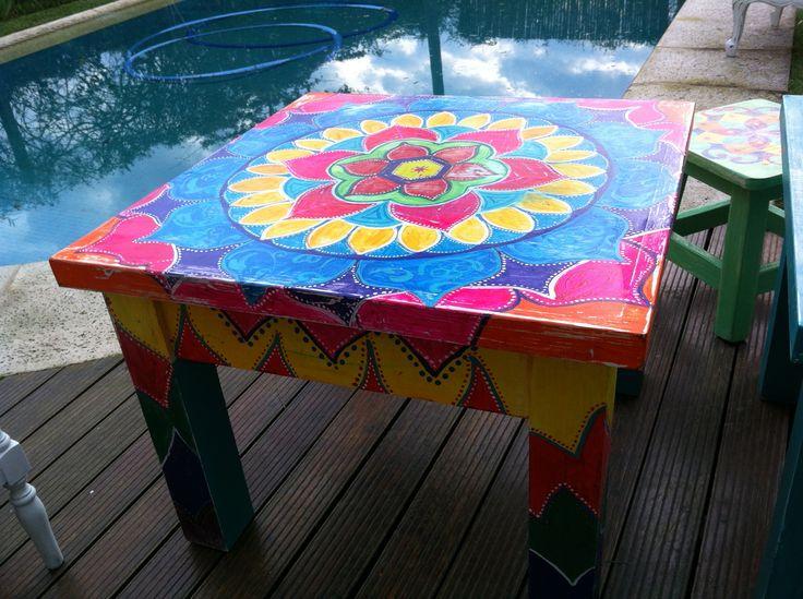 Mesa ratona pintada a mano jayma pinterest mesas for Mesa ratona