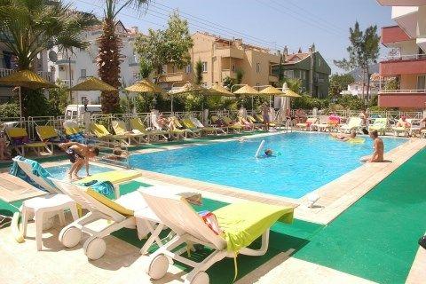 Myra Hotel in Marmaris.Heerlijk ons laten verwennen voor 8 dagen .. zo zin in met mijn kanjer samen