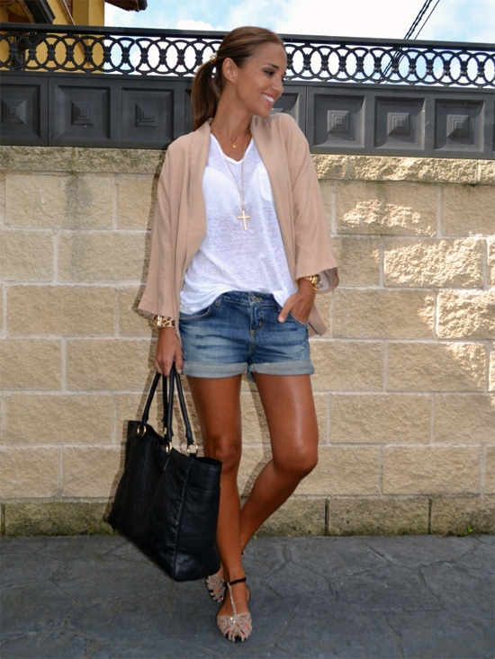 Paula Echevarria: look tonos pastel con short jeans