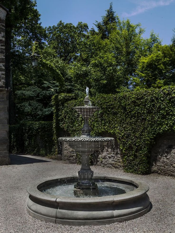 Bring your outdoor living space into a whole new level with the Charleston Outdoor Water Fountain in Basin, a stately multi-tiered water feature from Campania that boasts of amazing attention to detai