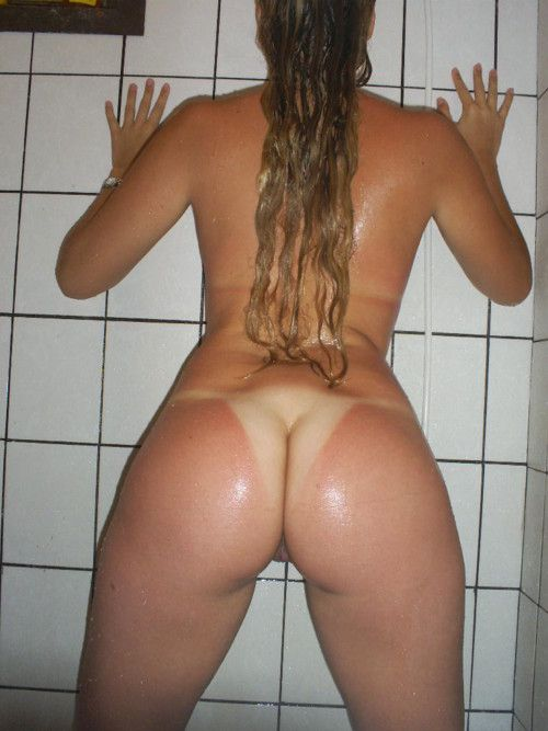 Naked tan girls with fat ass