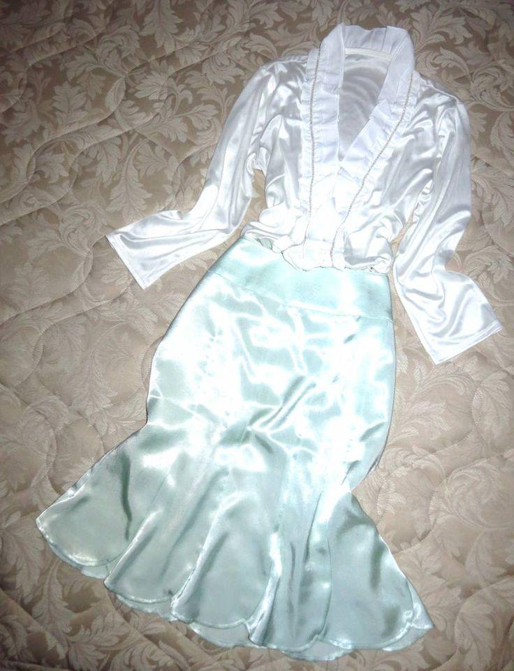 ★゜・。。・゜゜・。。・゜☆゜・。。・゜゜・。。・゜☆゜・。。・゜゜・。。・゜☆゜・。。・゜゜・。。・゜ ★ ☆*・°ご覧いただいてありがとうございます*・°☆ +こちらはブラウス、スカートの上下コーデの出品になります+ +。*ブラウス+。* つるつる光沢サテン素材☆ 華やかにあしらわれたフリルデザインがお気に入りです(o´▽`o) 超つるつるのお肌触り☆ 清楚コーデにぴったり(*´∇`*)♪ +。*スカート+。* つるつるぴっかぴか光沢サテン素材☆ 優しい薄いグリーン☆ キュートなフレアーデザイン(...