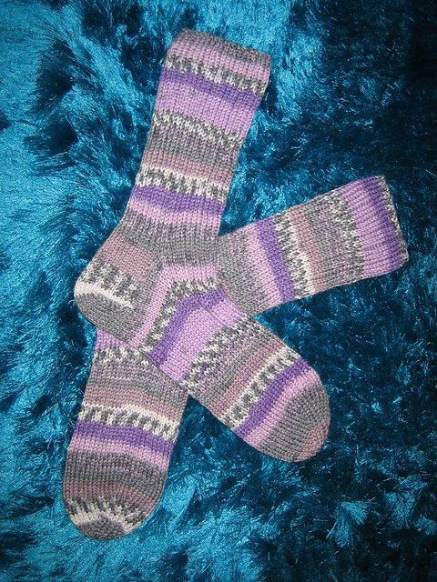 Ravelry: Virtuallintu's Rosemary's Birthday Socks