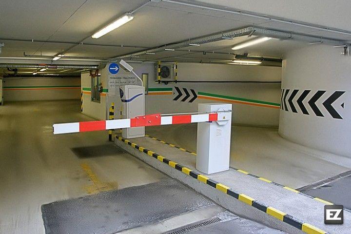 Parkolás a Székely Parkolóházban