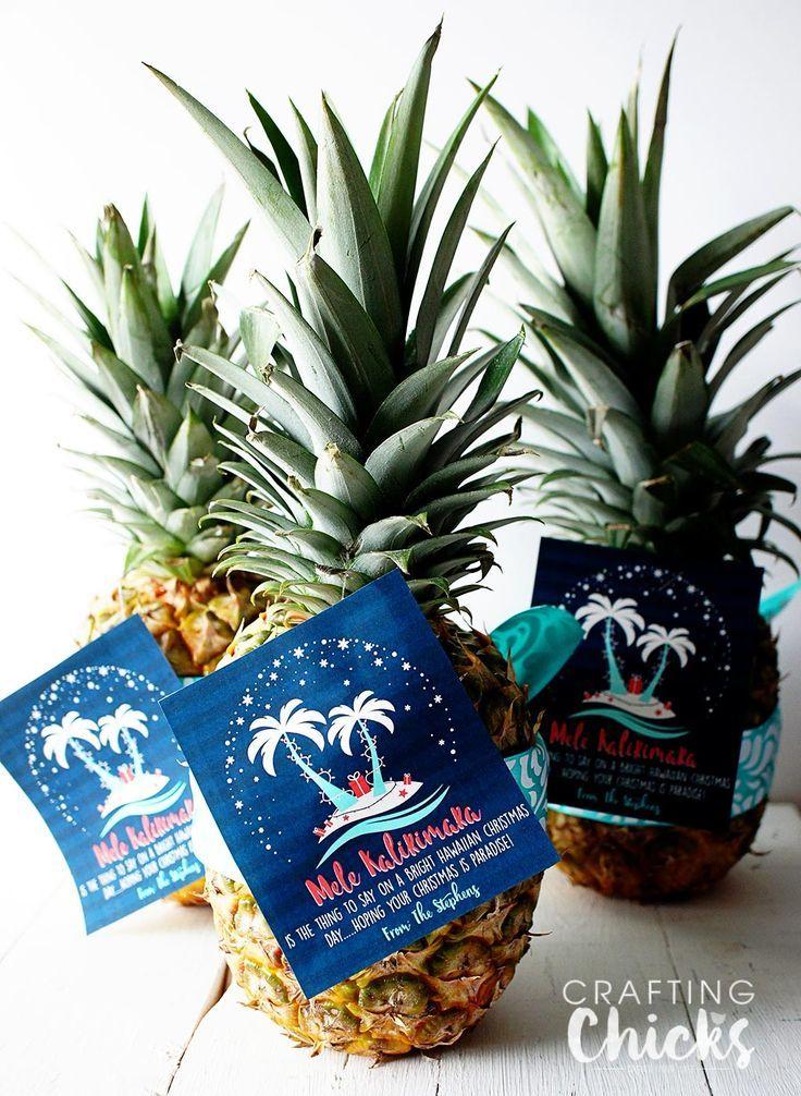 Christmas Printable Gift Idea - Give a pineapple and wish your neighbors a Mele Kalikimaka!