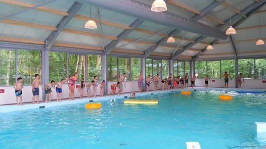 Overdekt zwemplezier in zwembad Poelsnip. In gebruik genomen Hemelvaartsdag 2014.