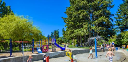 Here are 10 FREE water parks in Victoria