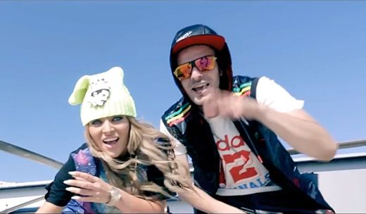 Videoclip: Bibanu MixXL & Delia - La fel  http://www.emonden.co/videoclip-bibanu-mixxl-delia-la-fel