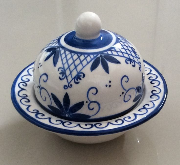 linda mantegueira individual , feita em cerâmica e pintado a mão.
